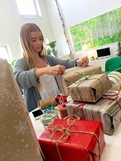 abb, julkort, paketinslagning
